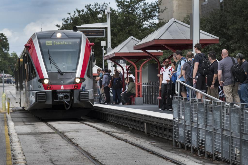 Austin's commuter rail train. (Credit: Laura Skelding)